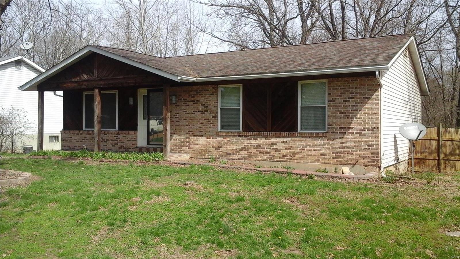 1713 W Hawthorne Property Photo - Pacific, MO real estate listing