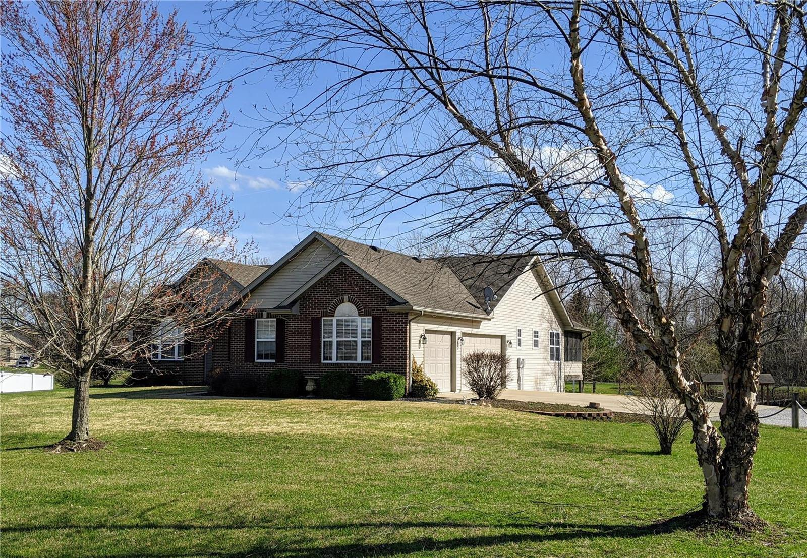 8813 Wildewood Drive Property Photo - Worden, IL real estate listing