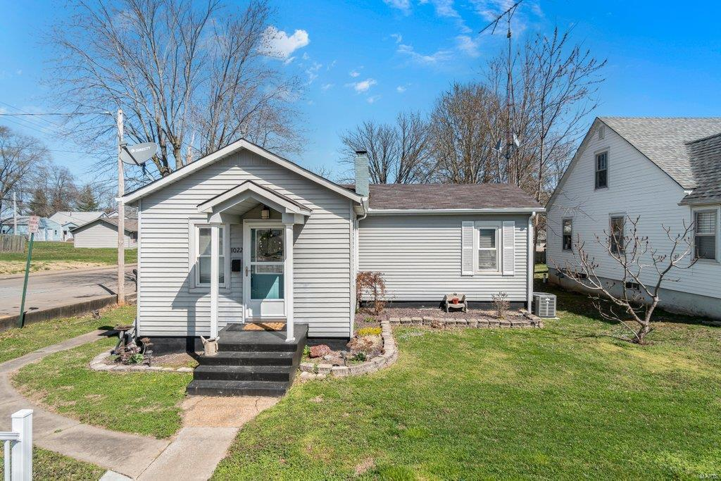 1022 Grand Avenue Property Photo - Perryville, MO real estate listing