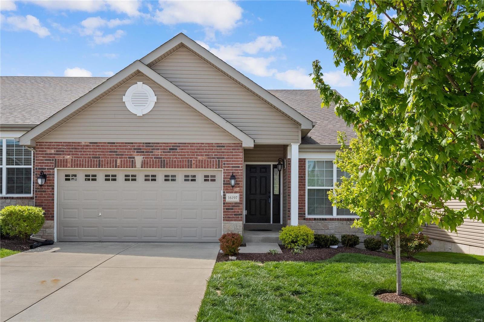 16197 Amber Vista Drive Property Photo - Ellisville, MO real estate listing
