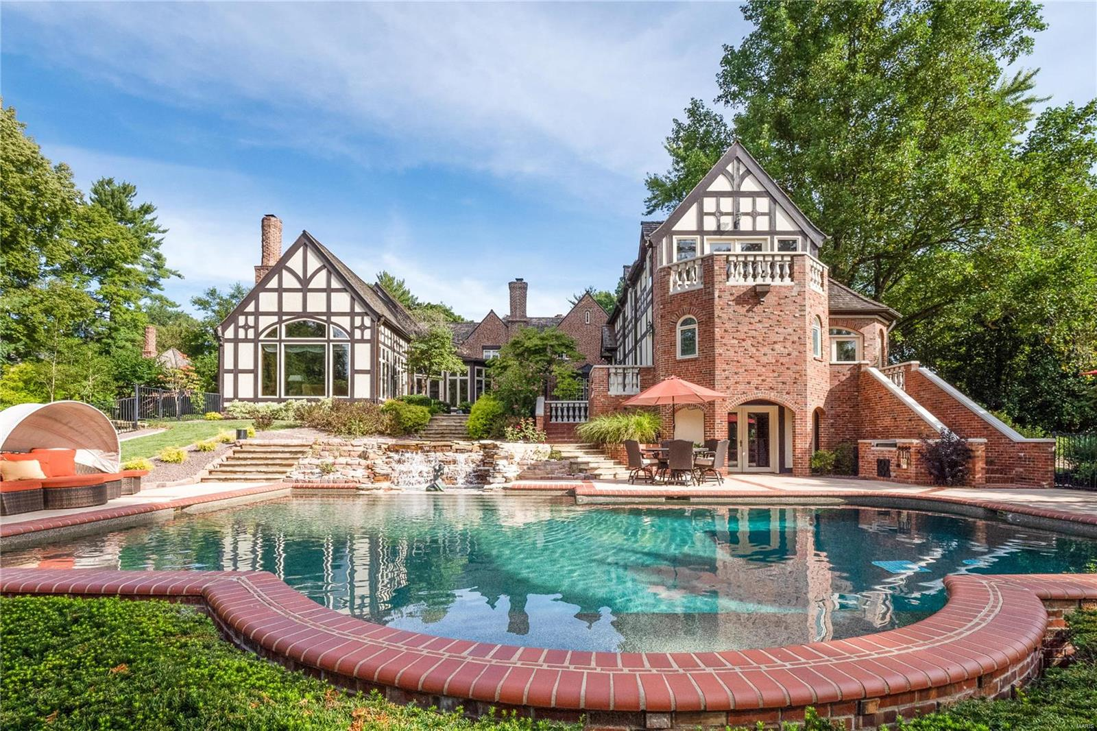 9948 Litzsinger Road Property Photo - Ladue, MO real estate listing