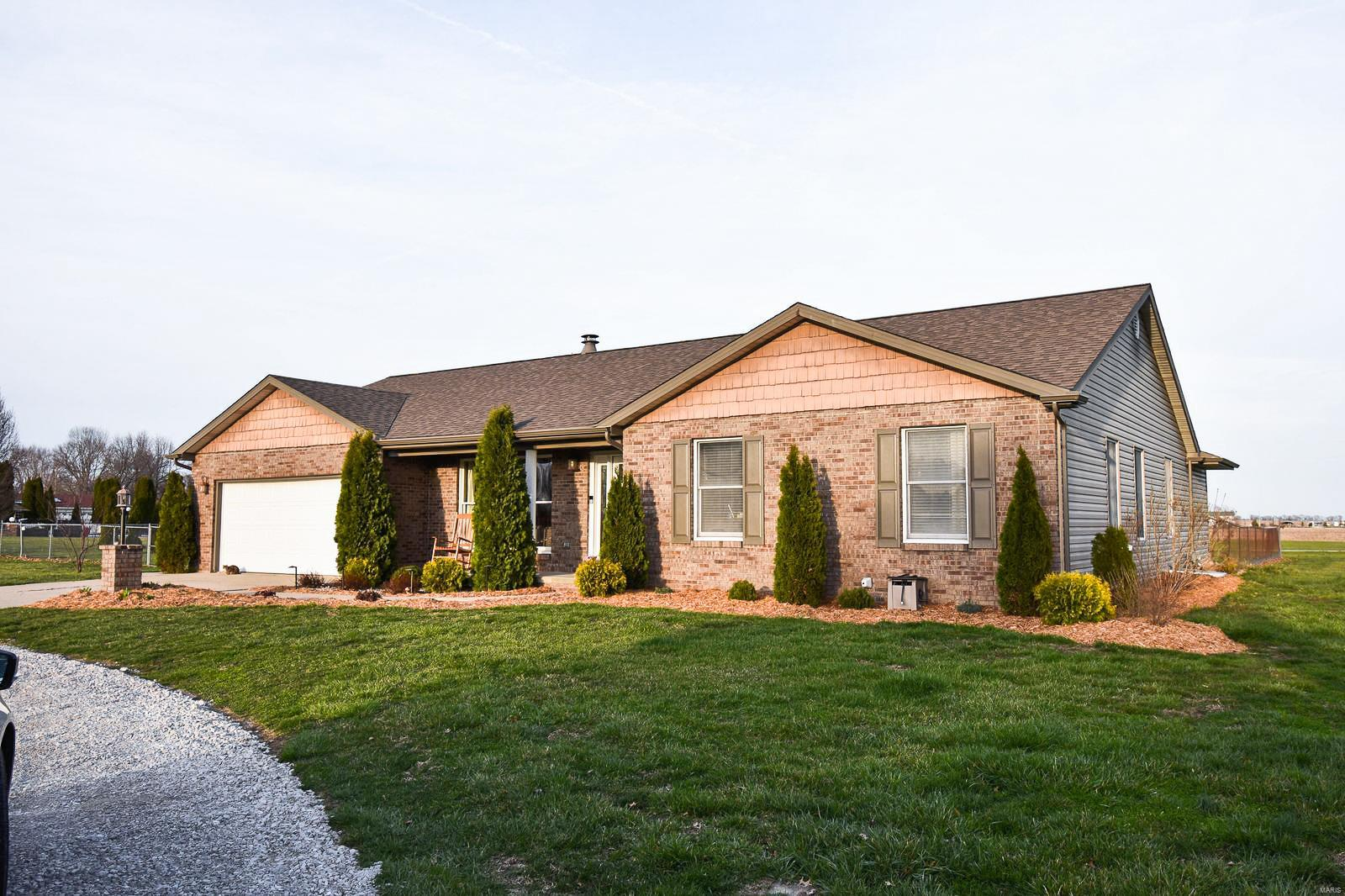 6430 Black Rail Drive Property Photo - Moro, IL real estate listing