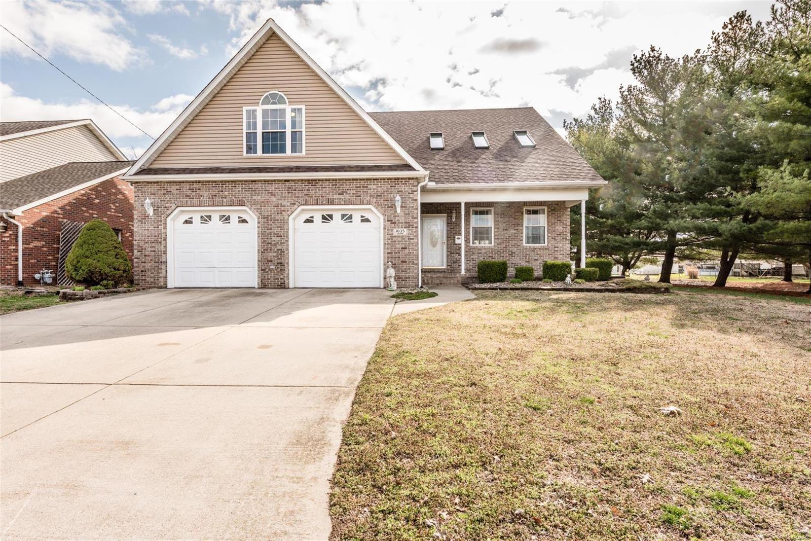 1035 Cedar Drive Property Photo - Wood River, IL real estate listing