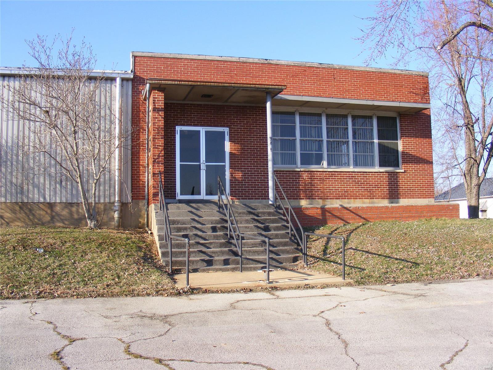 704 W 5th Property Photo - Dixon, MO real estate listing
