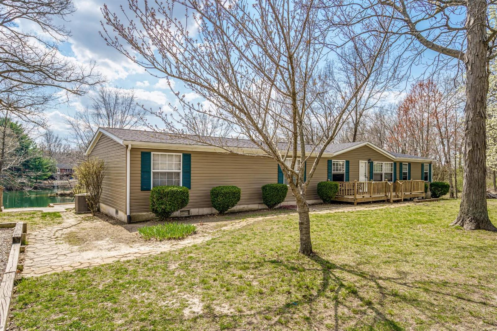 30335 Lakeview Drive Property Photo - Brighton, IL real estate listing