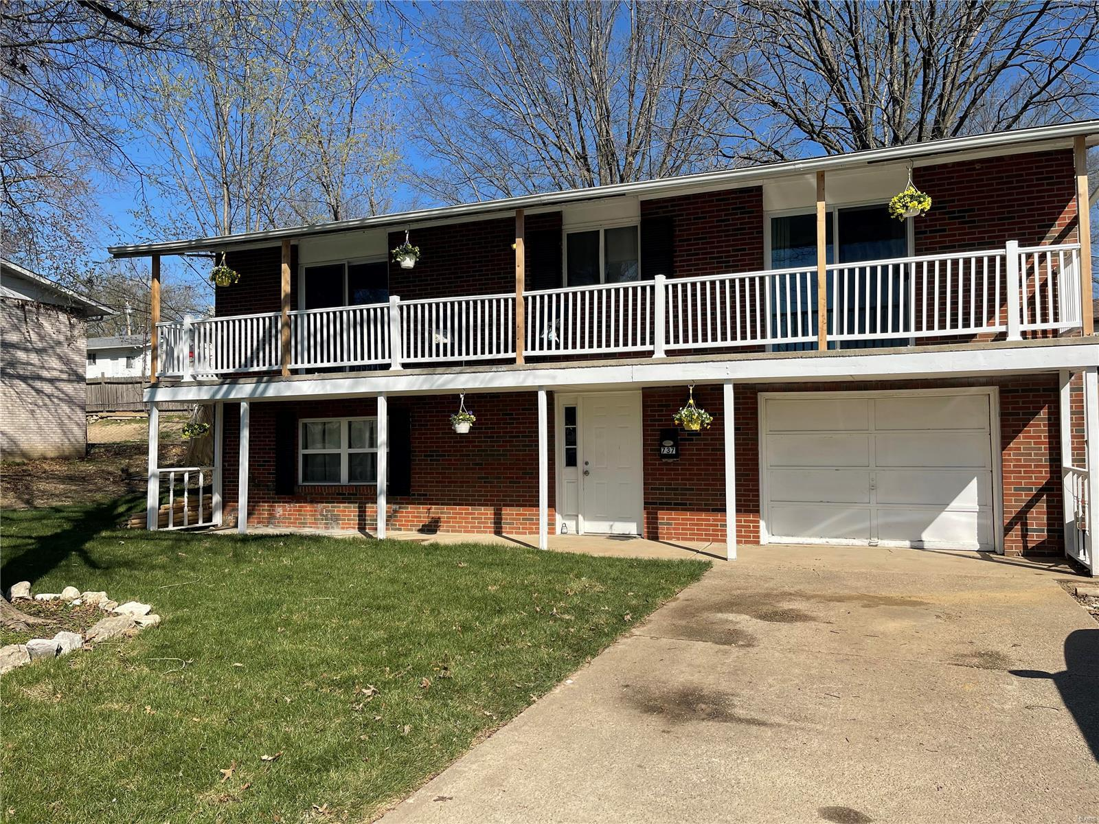 737 Brooksher Drive Property Photo - Elsberry, MO real estate listing