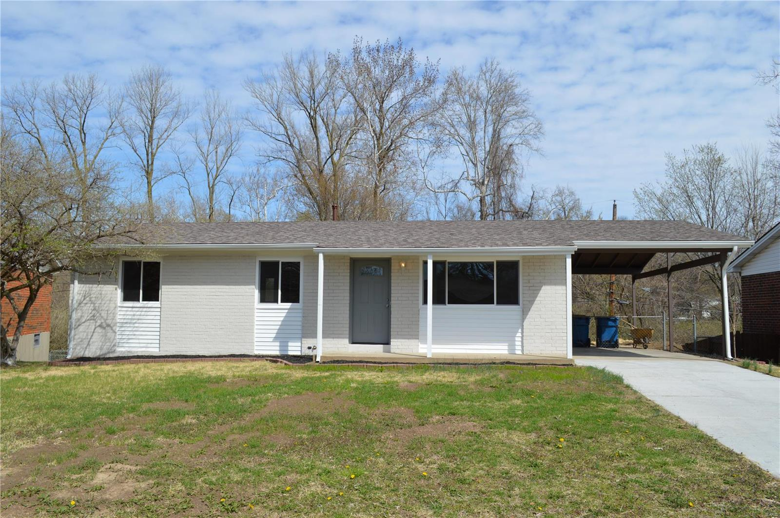11965 Longmont Drive Property Photo - Maryland Heights, MO real estate listing