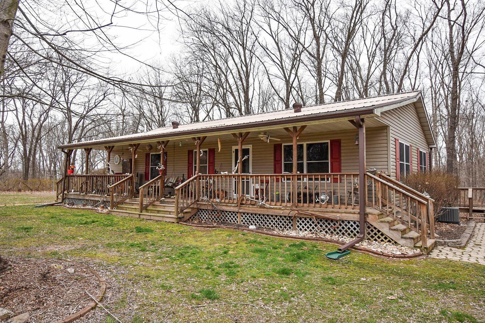 3780 Bono Road Property Photo - Staunton, IL real estate listing