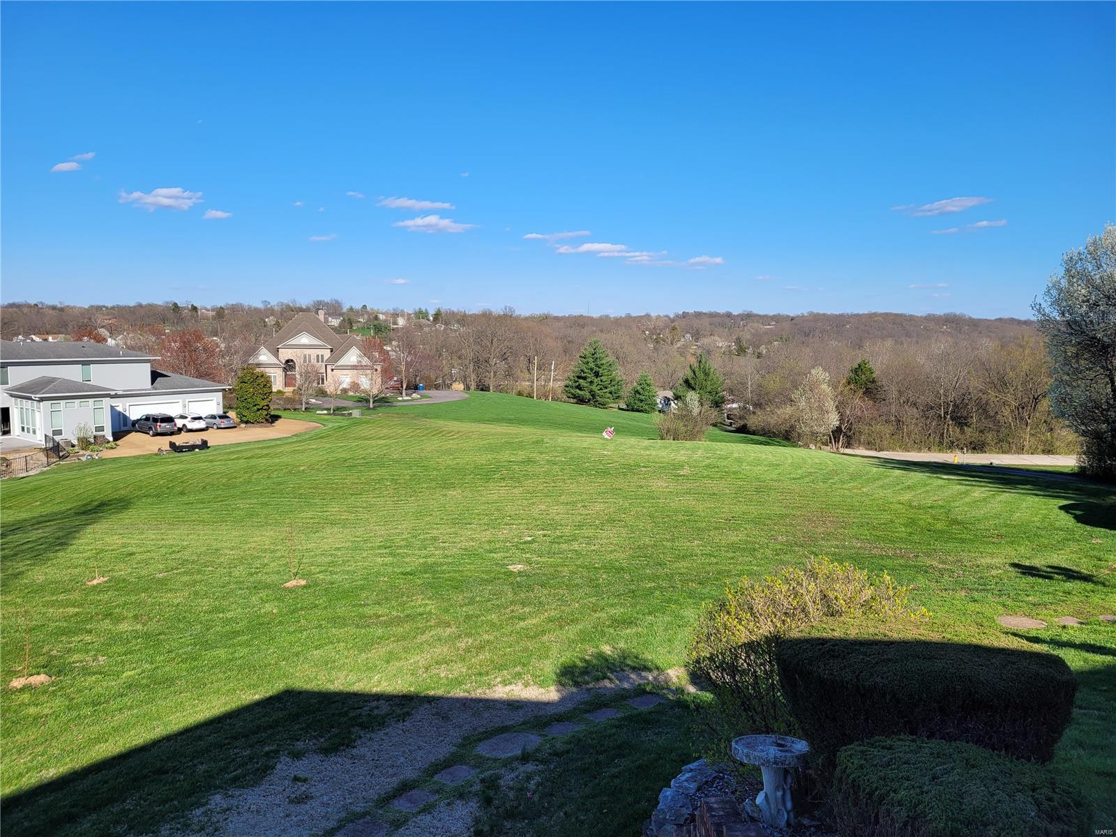 5735 Dove Meadow Lane Property Photo - Oakville, MO real estate listing