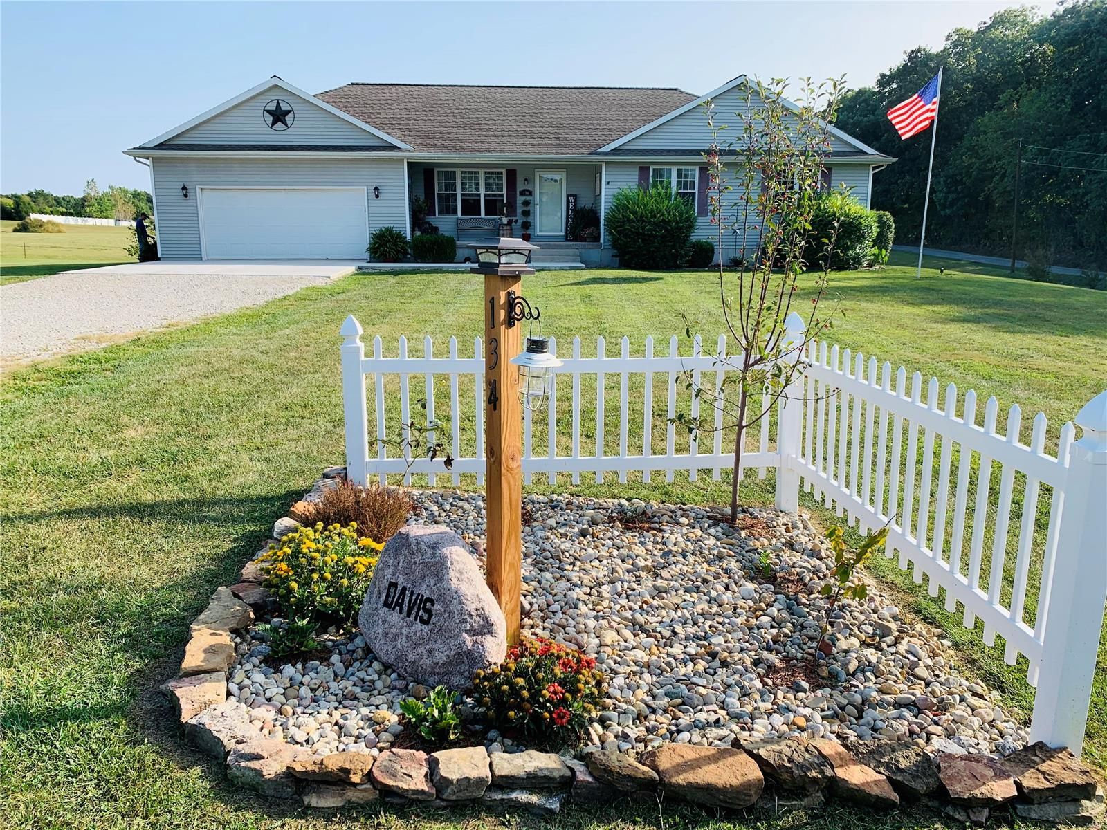 134 Quail Hollow Road Property Photo - Greenville, IL real estate listing