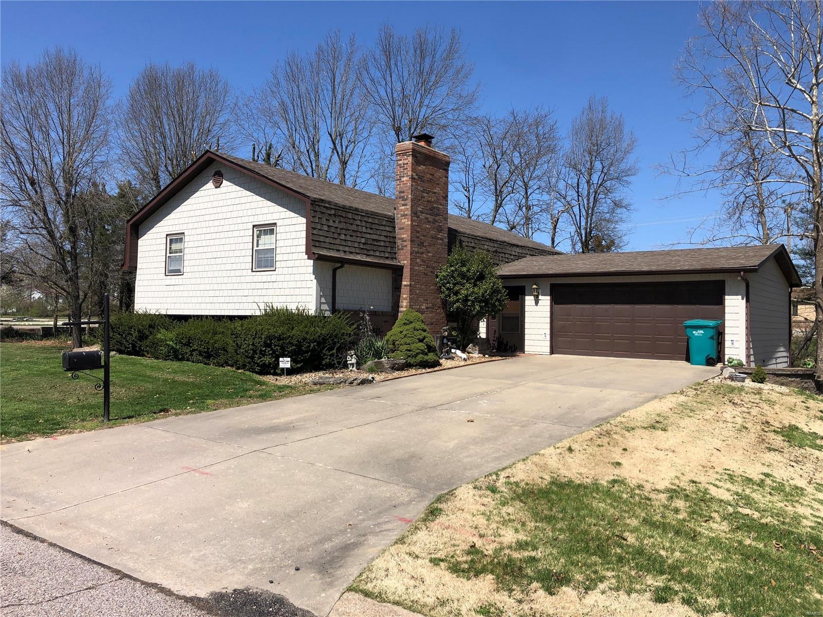 228 Circle Drive Property Photo - Owensville, MO real estate listing