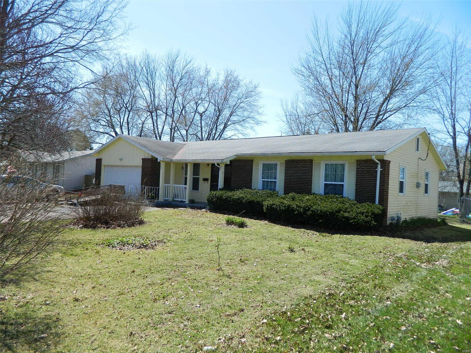 707 Meadow Crest Lane Property Photo - Montgomery City, MO real estate listing