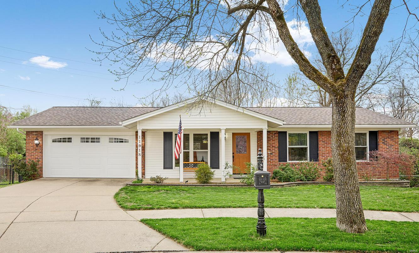 11918 Wexford Place Drive Property Photo - Maryland Heights, MO real estate listing