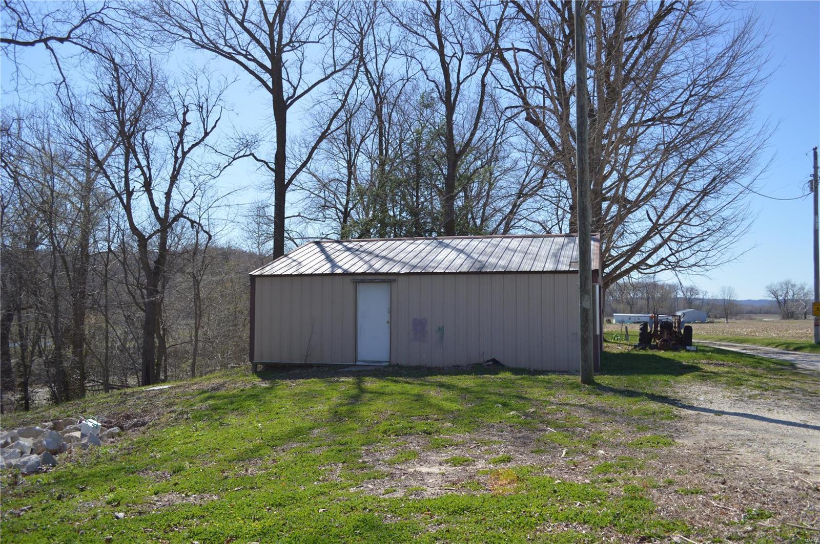 13871 Johnson Hollow Road Property Photo - Fieldon, IL real estate listing