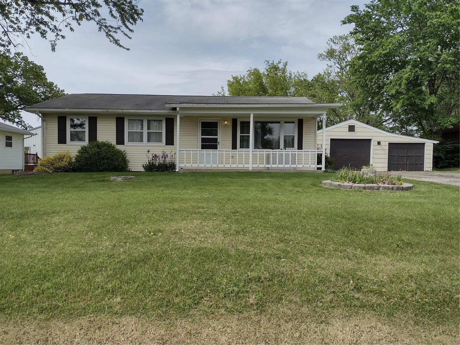 807 Benton Street Property Photo - Montgomery City, MO real estate listing