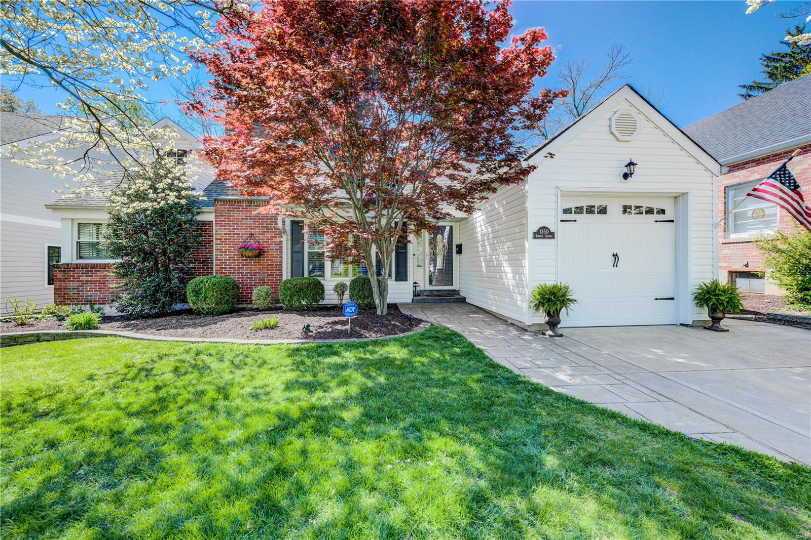 1350 Beverly Avenue Property Photo - Glendale, MO real estate listing