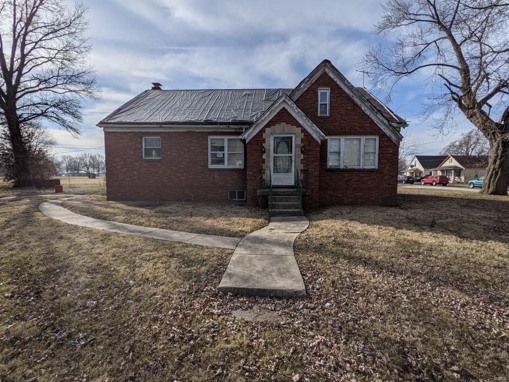 563 Sarah Street Property Photo - Livingston, IL real estate listing