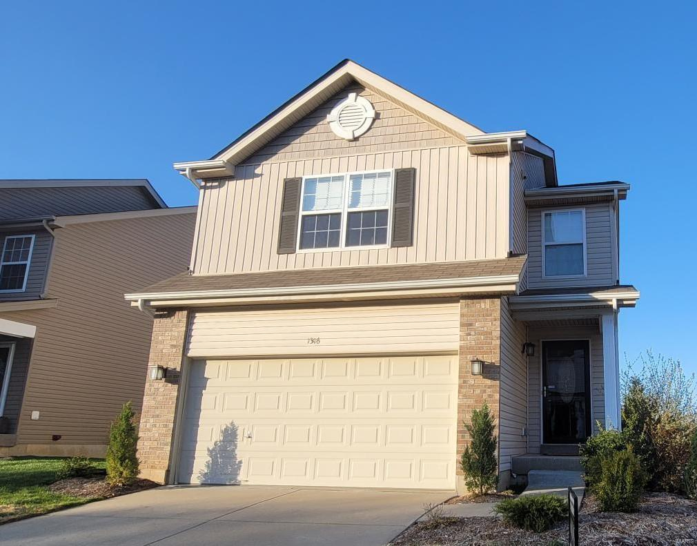 1316 Commons Property Photo - Cottleville, MO real estate listing