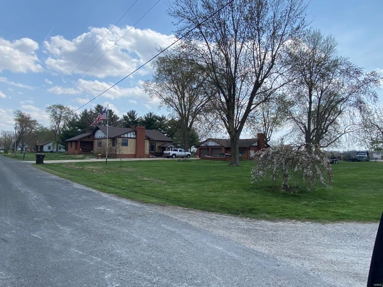 366 Ridge Drive Property Photo - Bethalto, IL real estate listing