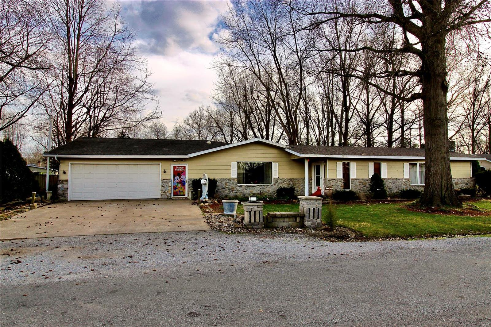 708 Candy Cane Lane Property Photo - West Frankfort, IL real estate listing