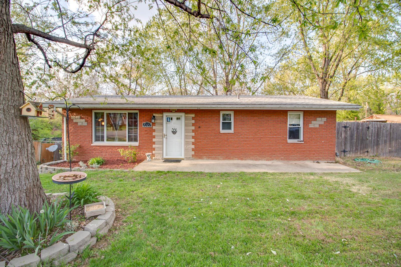 1022 Rhondell Lane Property Photo - East Alton, IL real estate listing