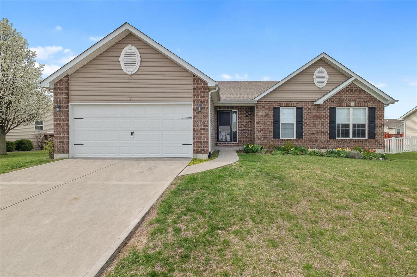 5 Eddington Court Property Photo - Troy, MO real estate listing