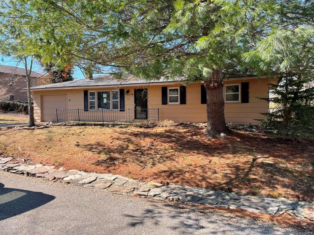535 Halbrook Street Property Photo - Houston, MO real estate listing
