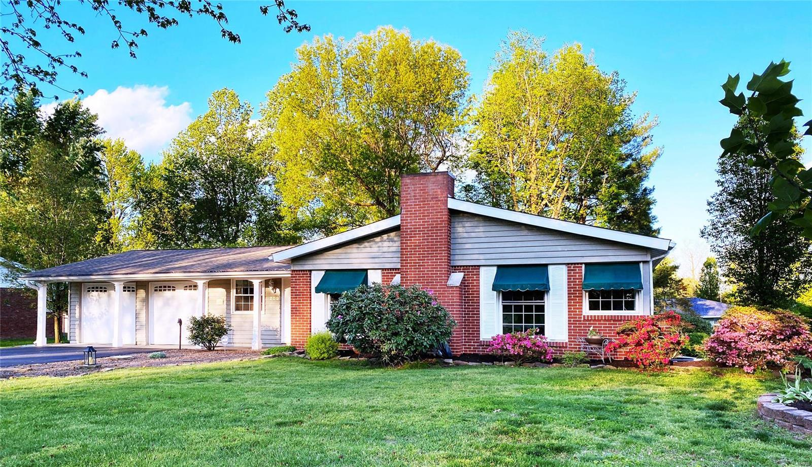 209 Westernaire Street Property Photo