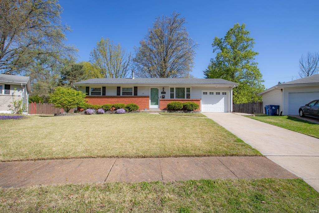575 Benne Drive Property Photo - Florissant, MO real estate listing