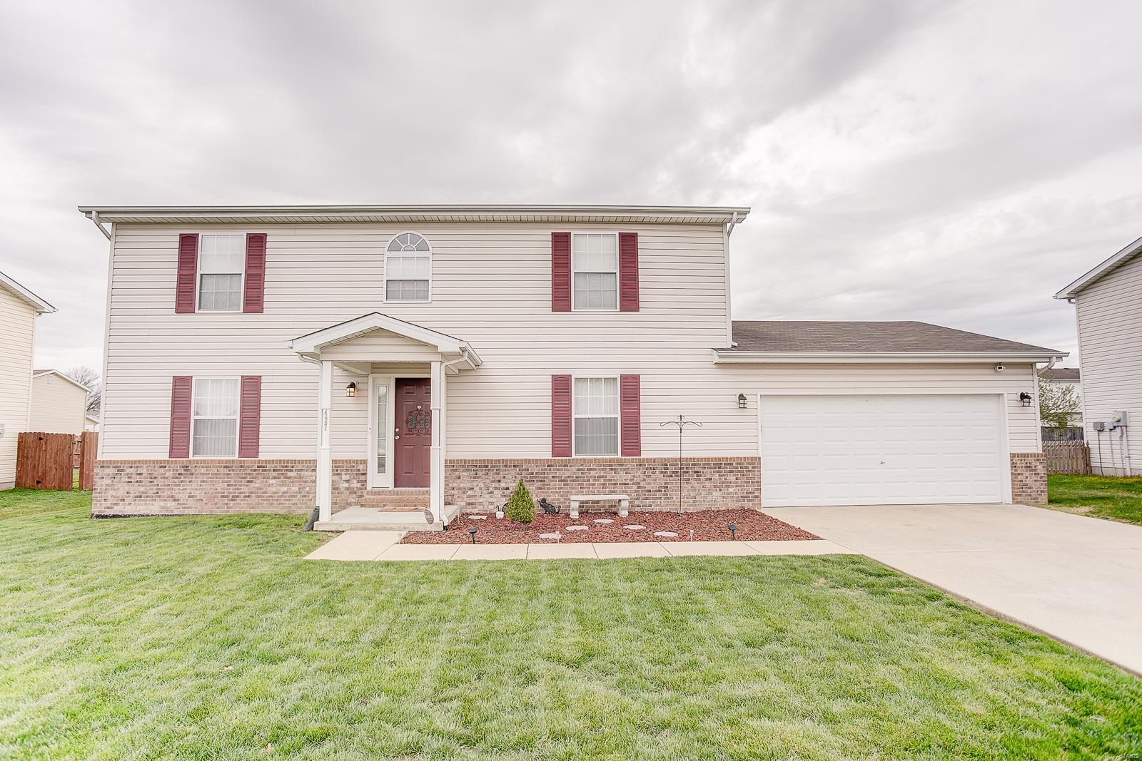 427 Carter Drive Property Photo - Dupo, IL real estate listing