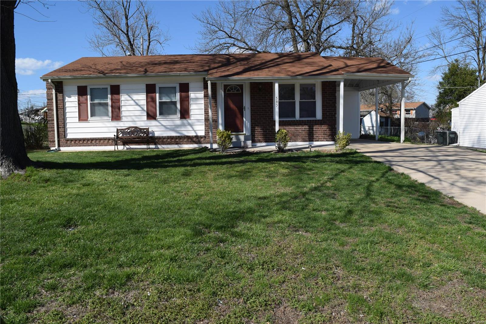 565 Mount Vernon Drive Property Photo - Arnold, MO real estate listing