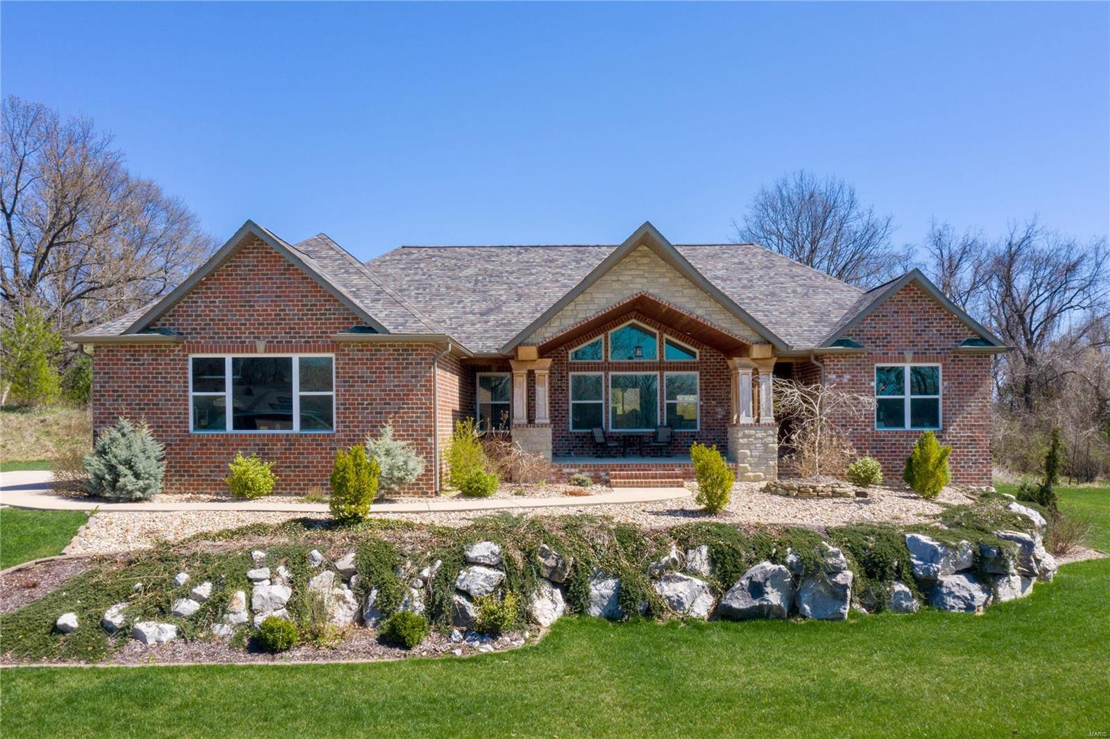 55 Long Branch Property Photo - Caseyville, IL real estate listing