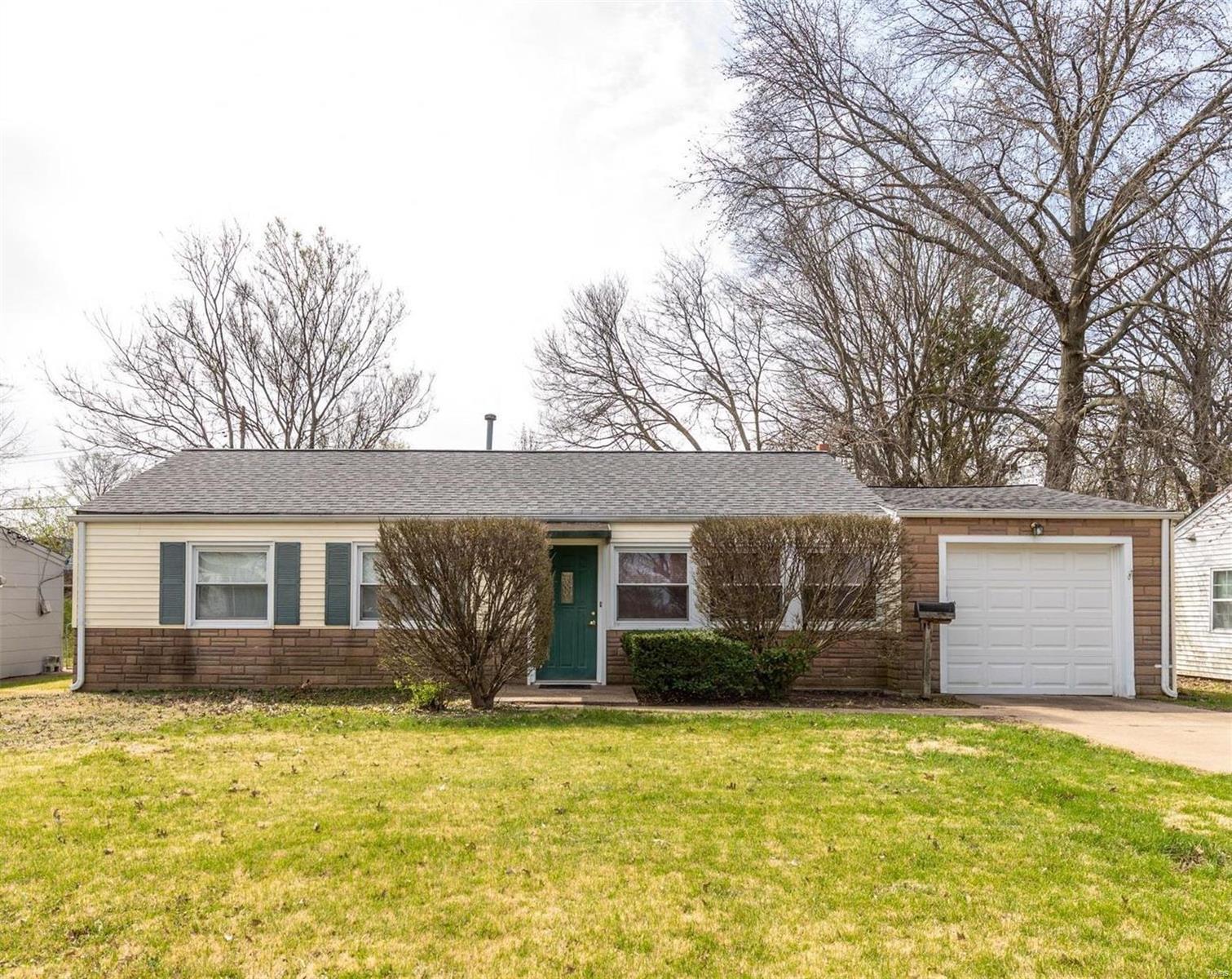6418 Vita Drive Property Photo - Affton, MO real estate listing