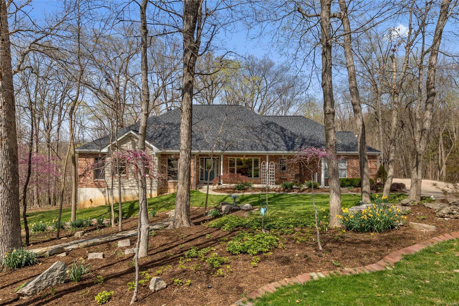 353 Lewis Bluff Circle Property Photo - Eureka, MO real estate listing