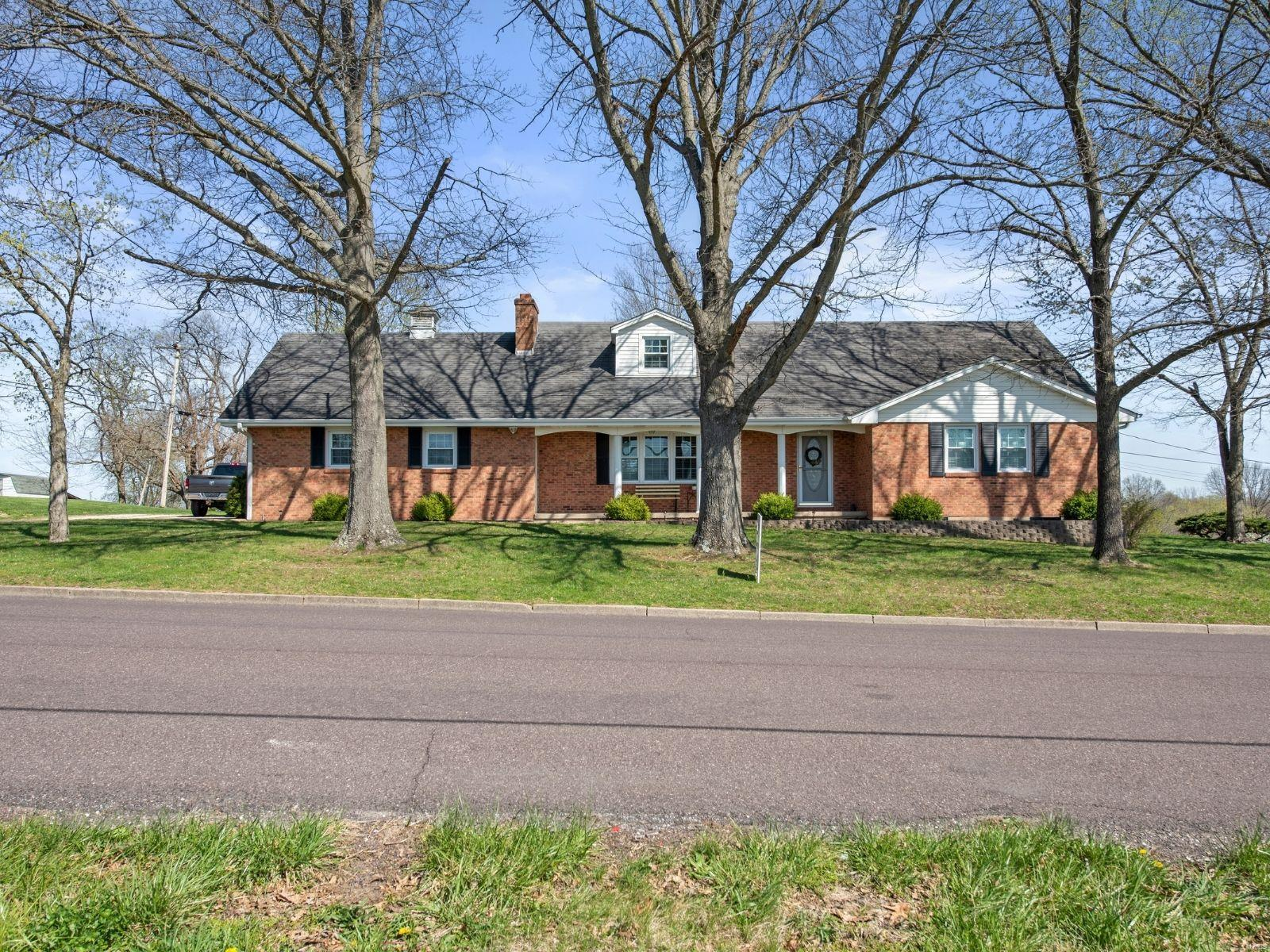 800 Clearview Drive Property Photo - Union, MO real estate listing