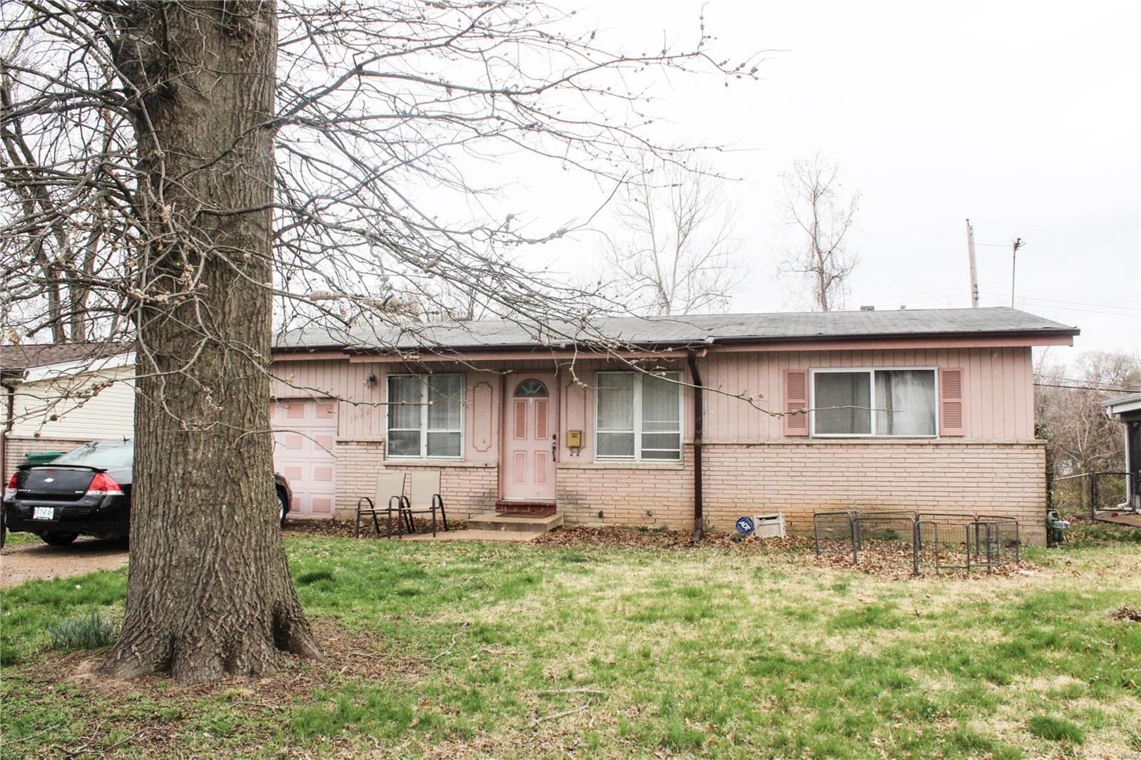 10229 Cedarhurst Drive Property Photo - St Louis, MO real estate listing
