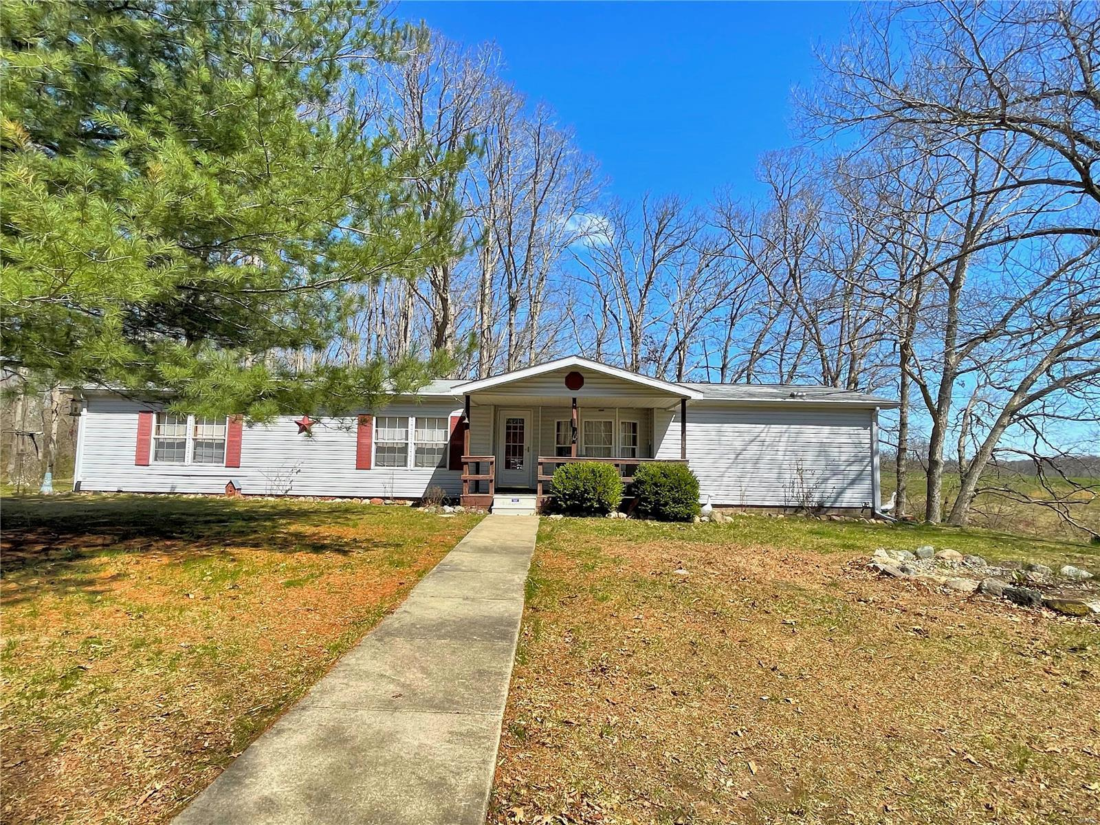 811 Red Ball Trail Property Photo - Coffeen, IL real estate listing