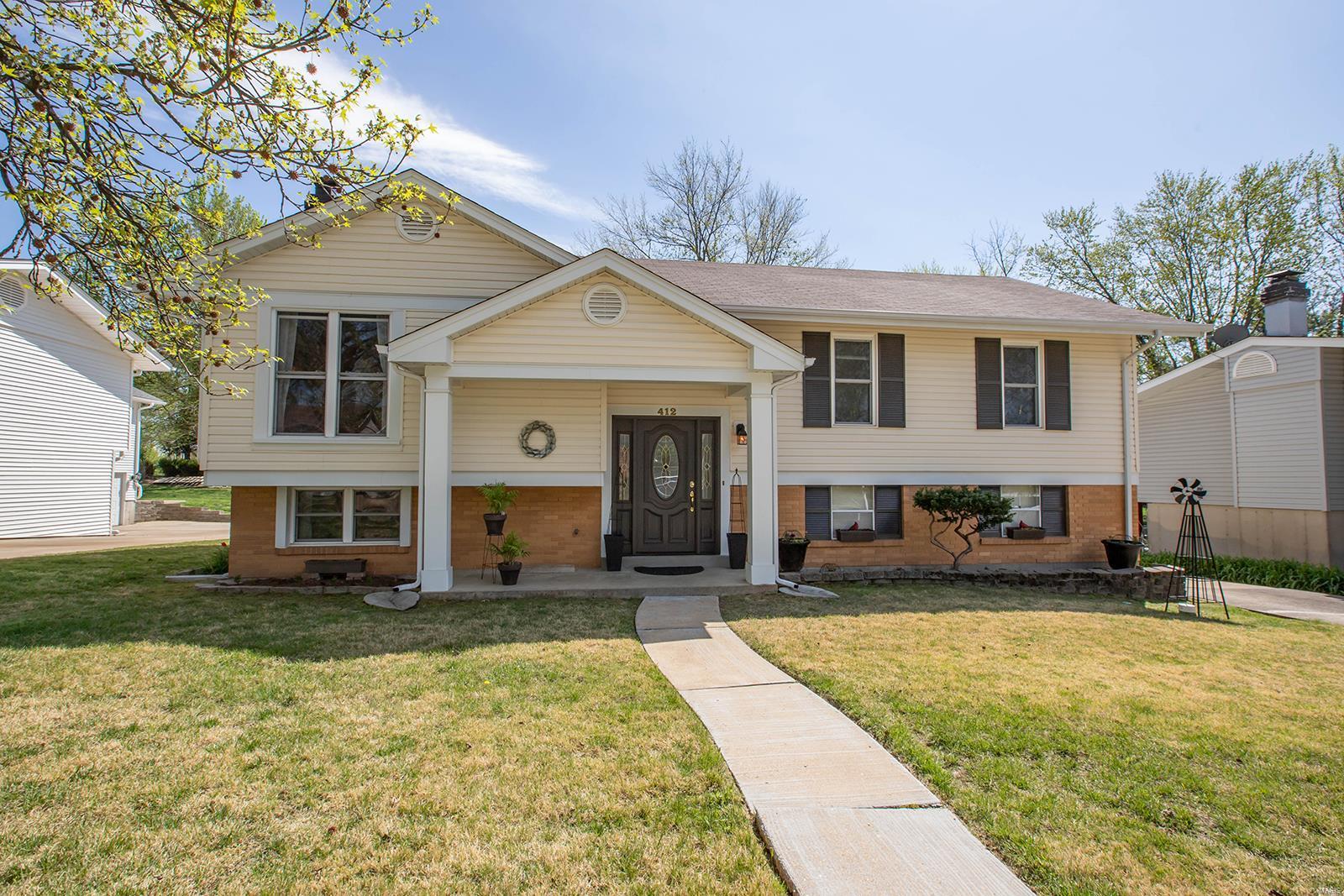 412 Madrina Court Property Photo - Ballwin, MO real estate listing