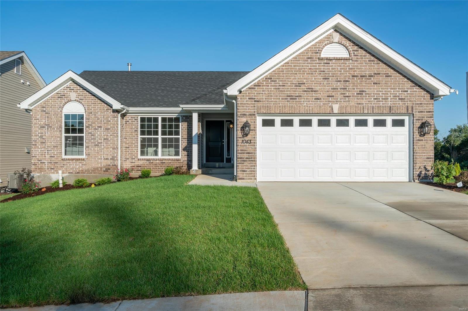 1 @ Hickory at Summit Property Photo - Fenton, MO real estate listing