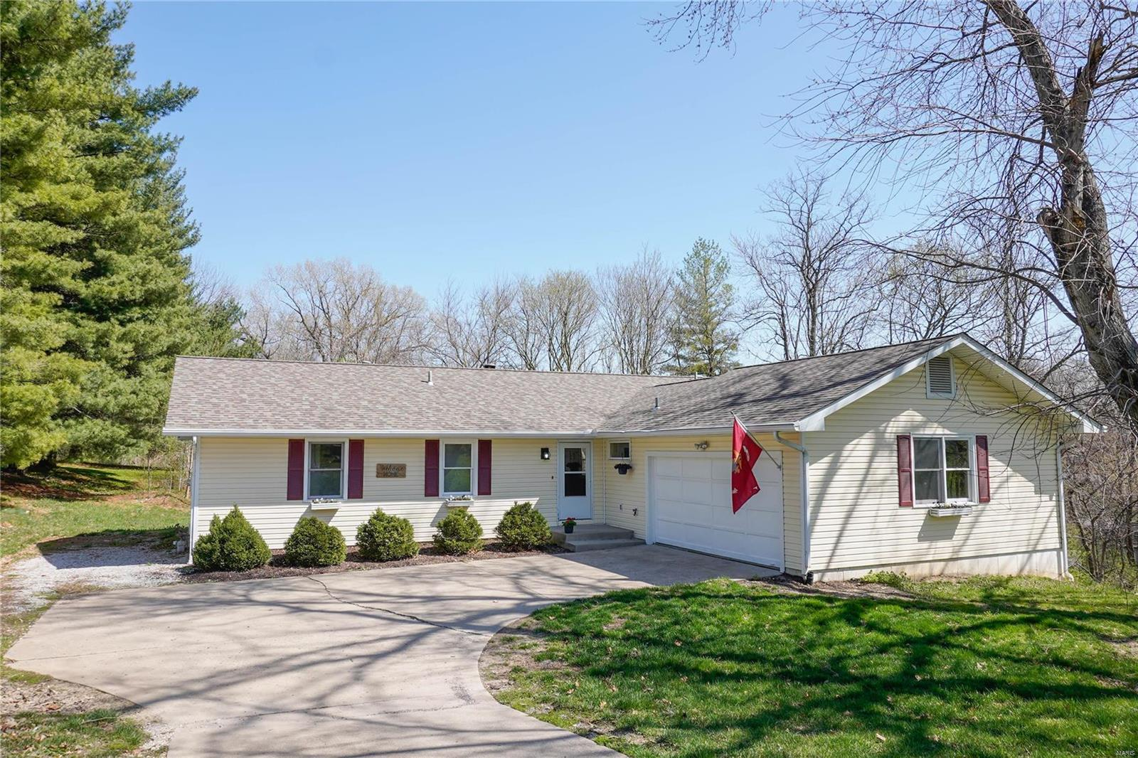 2000 Valley View Lane Property Photo - Collinsville, IL real estate listing