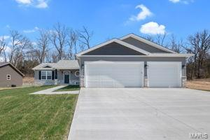 104 Heritage Landing Drive Property Photo - Truesdale, MO real estate listing