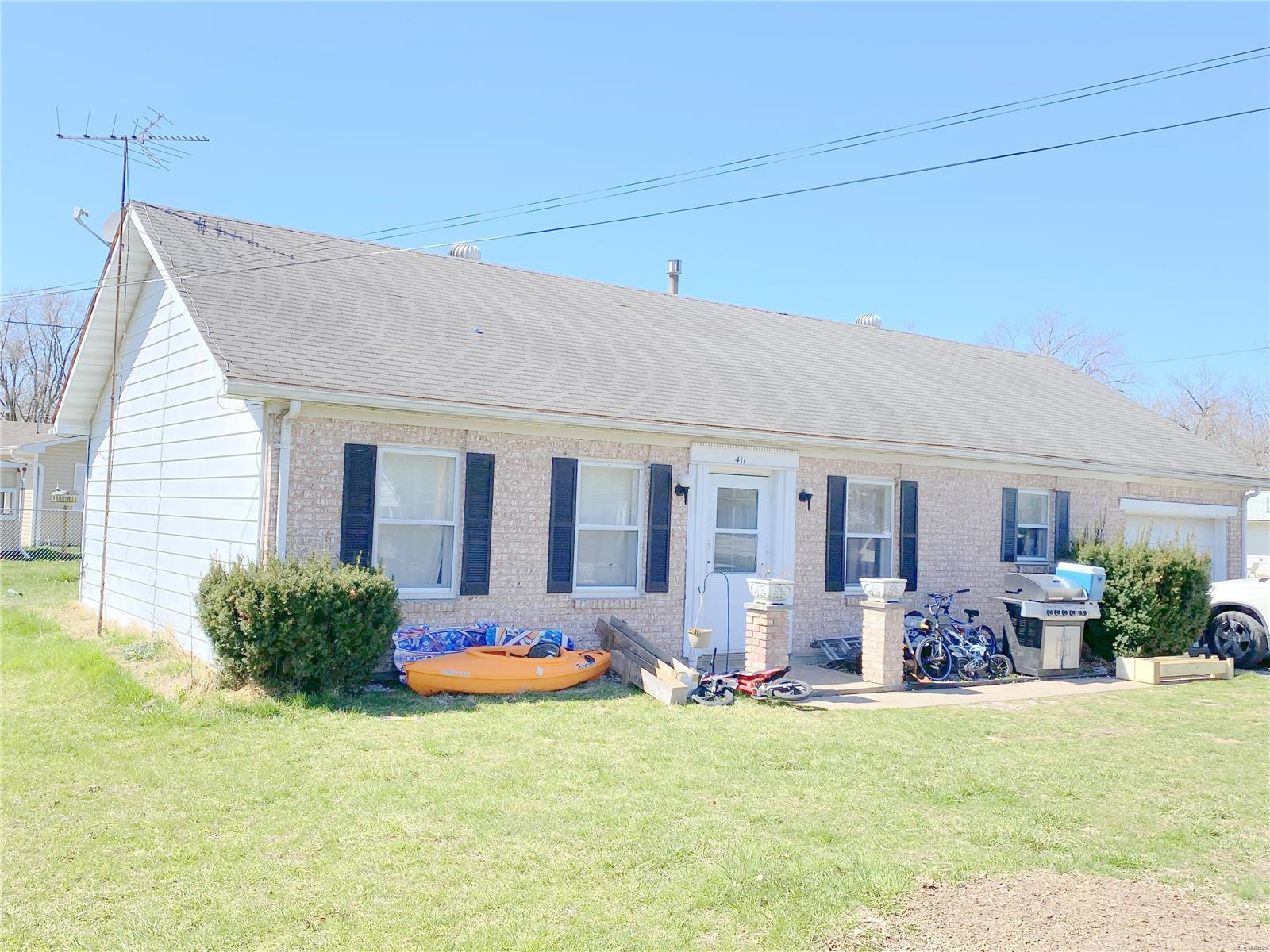 411 S East Border Street Property Photo - Monroe City, MO real estate listing