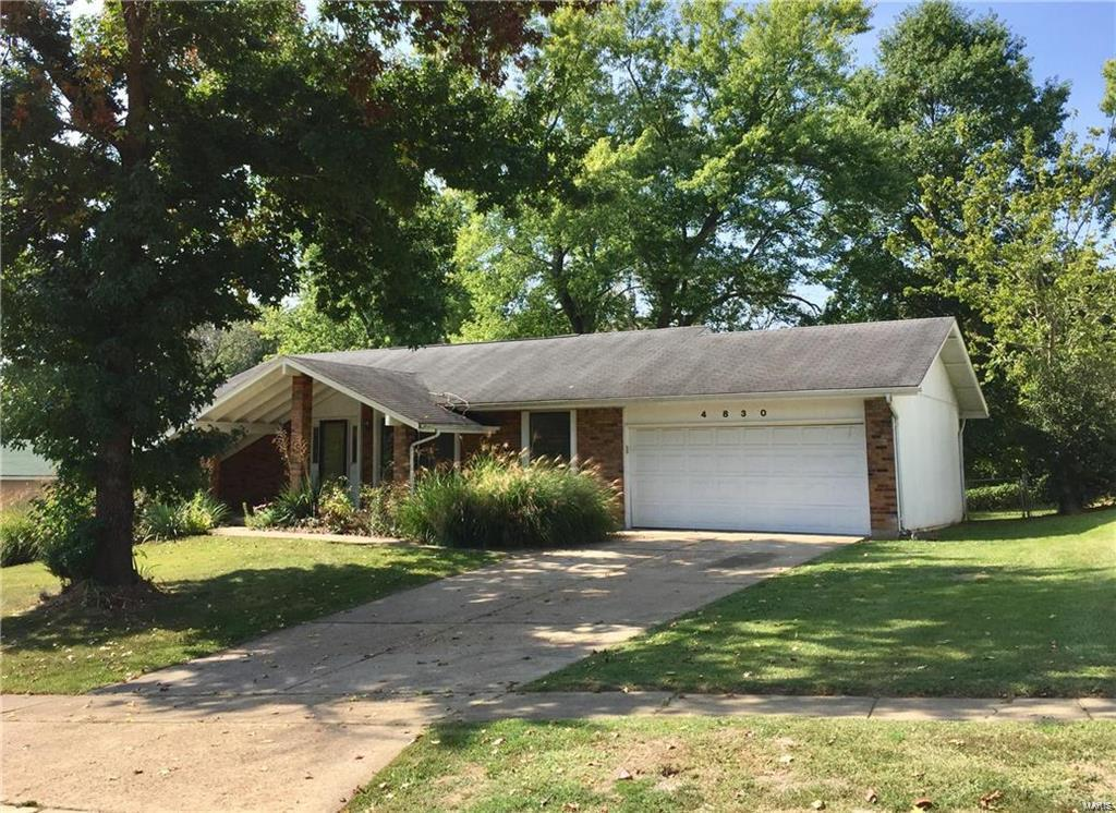 4830 Parkton Place Property Photo - Black Jack, MO real estate listing