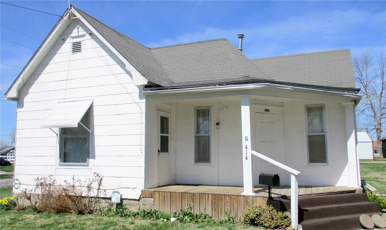 414 Cleveland Street Property Photo - Shelbina, MO real estate listing