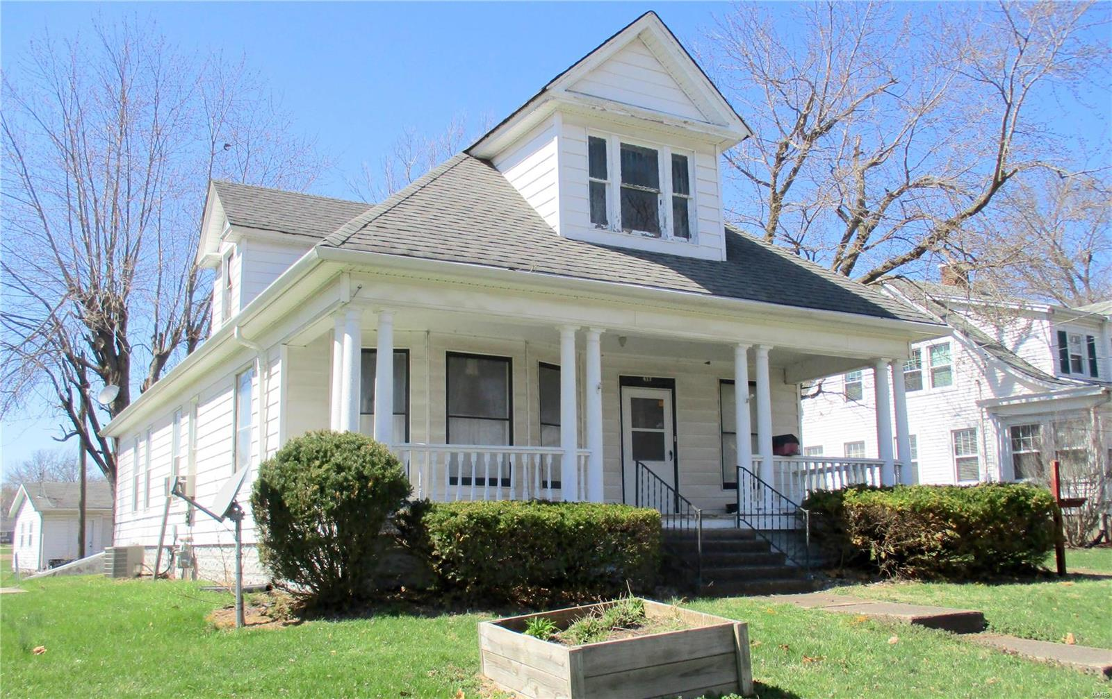 412 S Center Street Property Photo - Shelbina, MO real estate listing