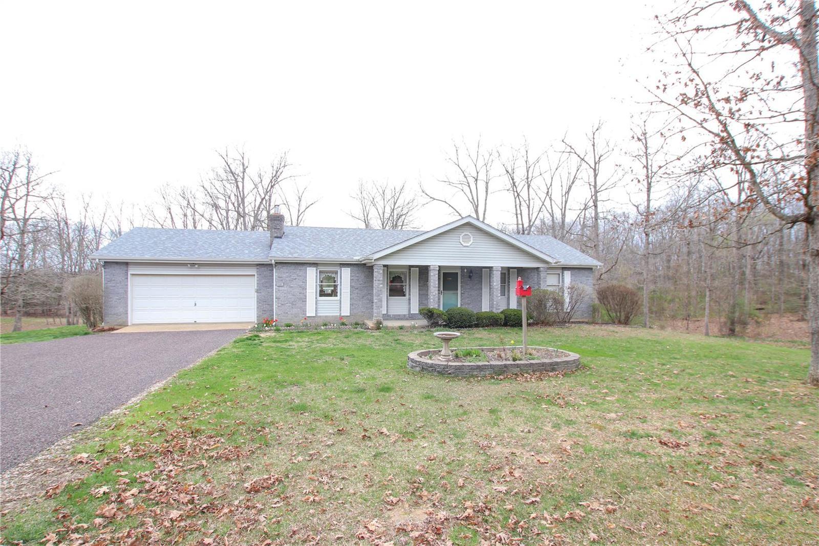 3129 Oak Valley Drive Property Photo - Bourbon, MO real estate listing