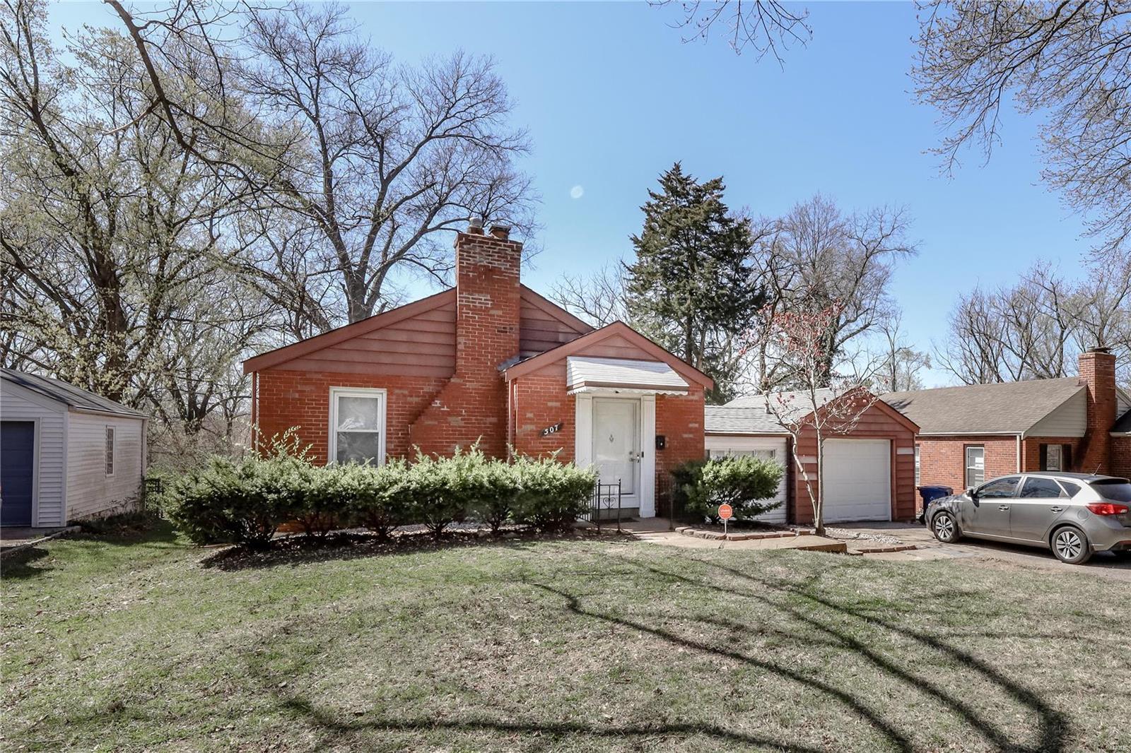 507 N Clay Avenue Property Photo - Ferguson, MO real estate listing