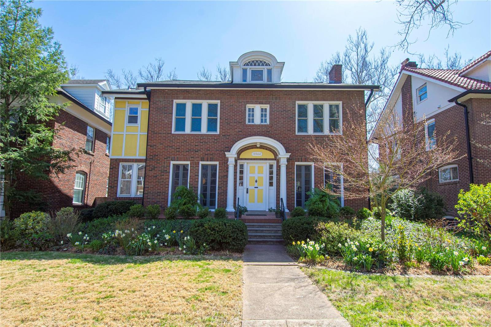 6944 Pershing Avenue Property Photo - St Louis, MO real estate listing