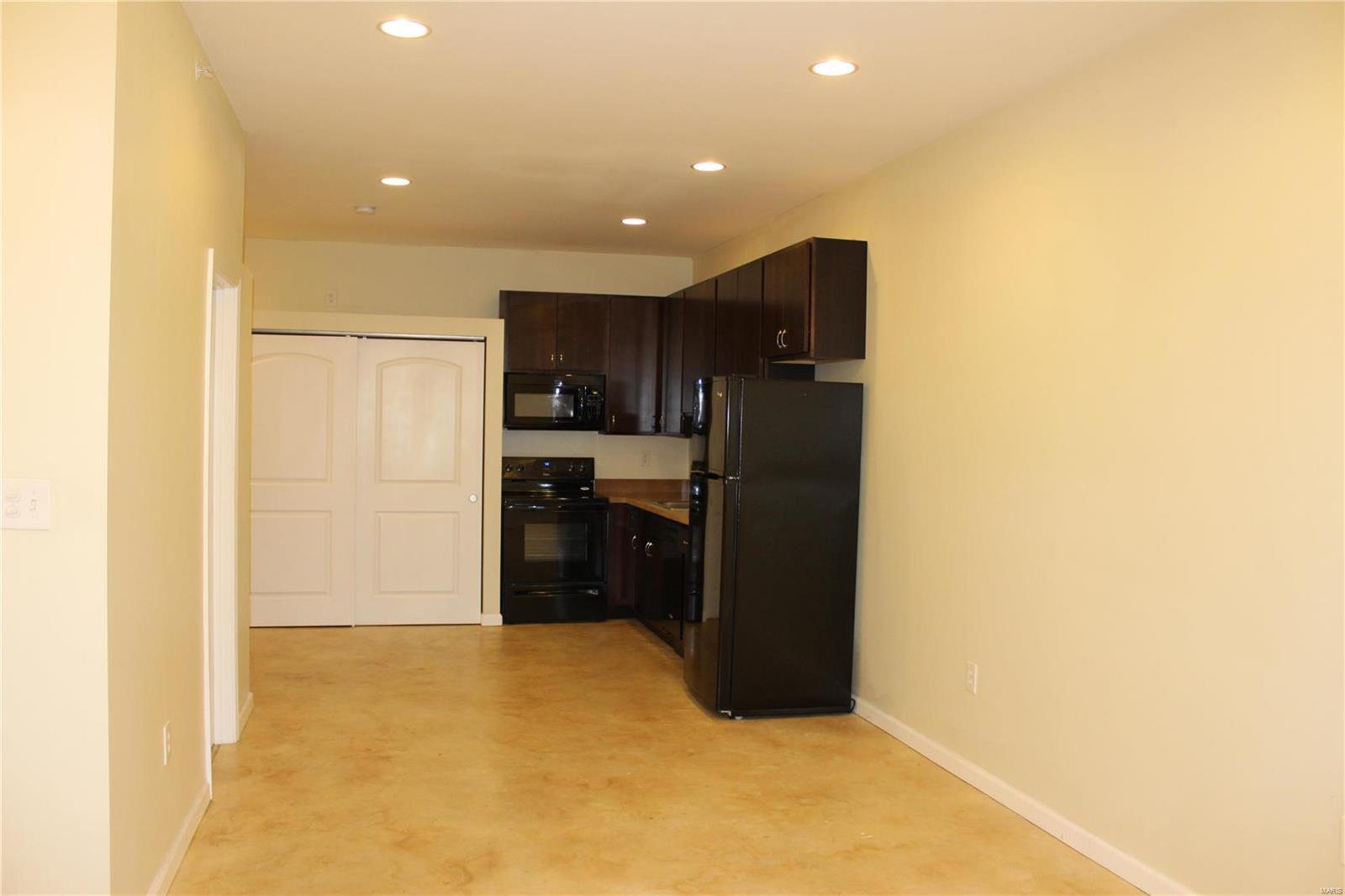 419 S FLORISSANT Road #4N Property Photo - Ferguson, MO real estate listing
