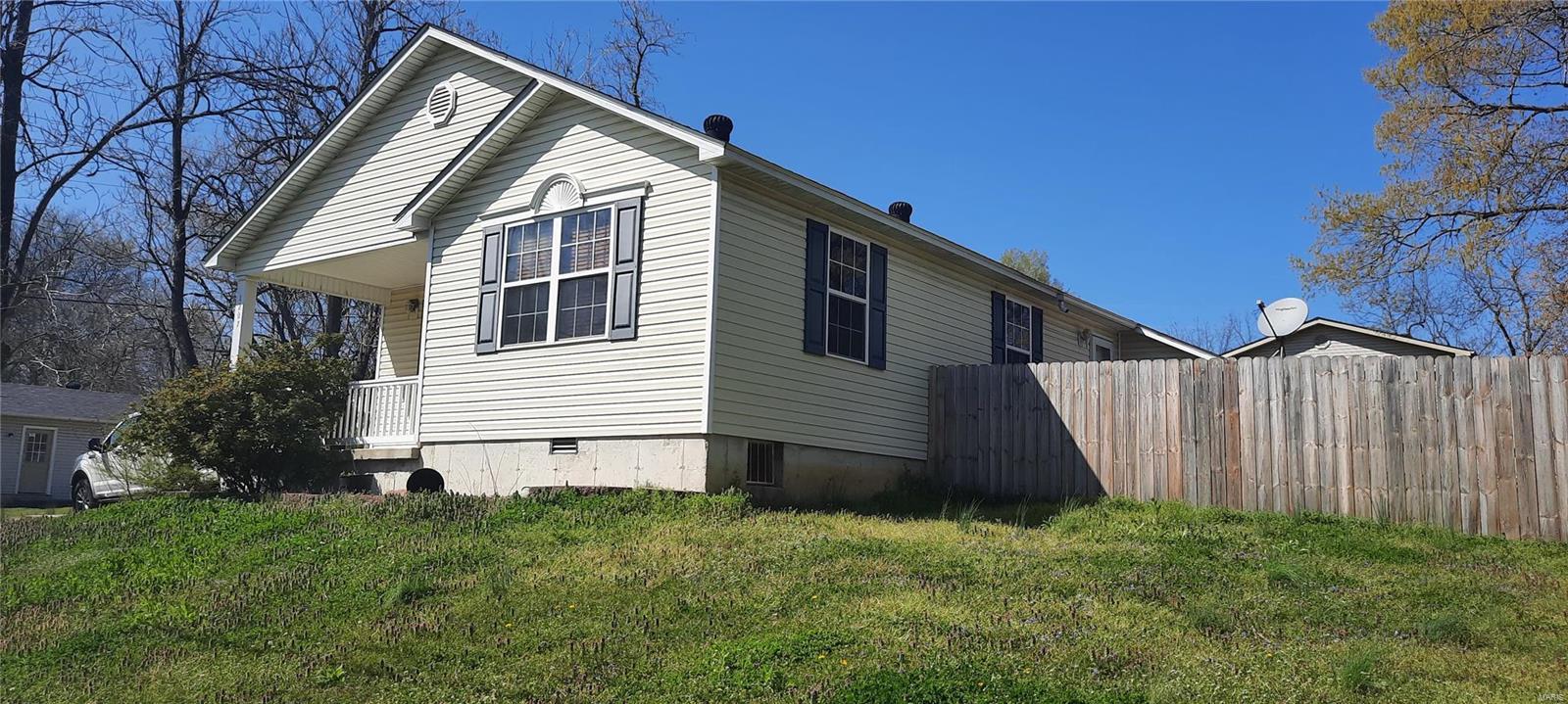 1207 Winnie St. Property Photo